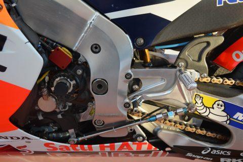 Detalle chasis y componentes cambio de marchas RC213V