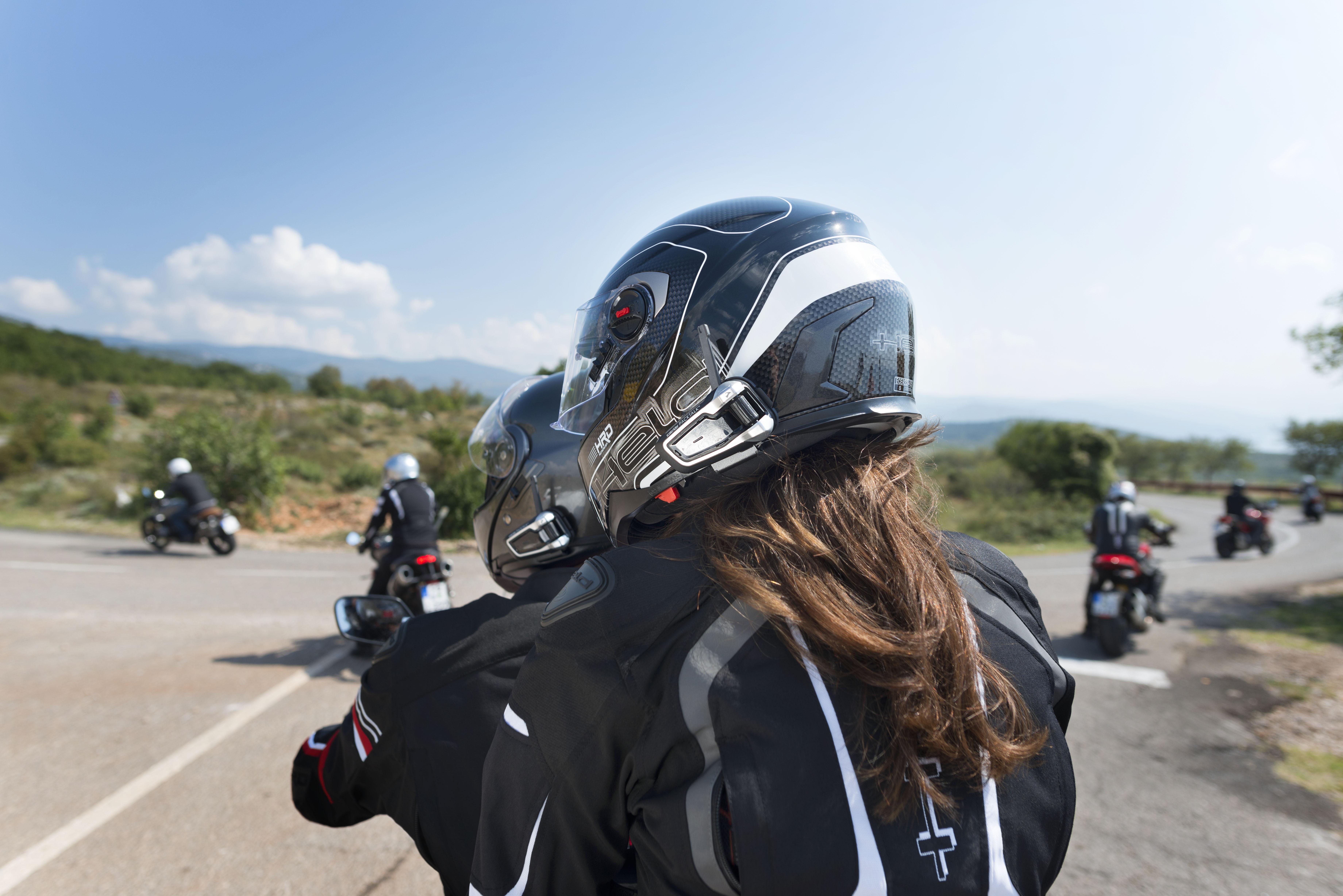 ¿Es legal utilizar intercomunicadores para moto?