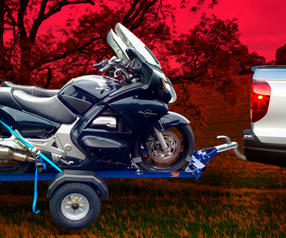 ¿Cómo llevar tu moto en remolque?