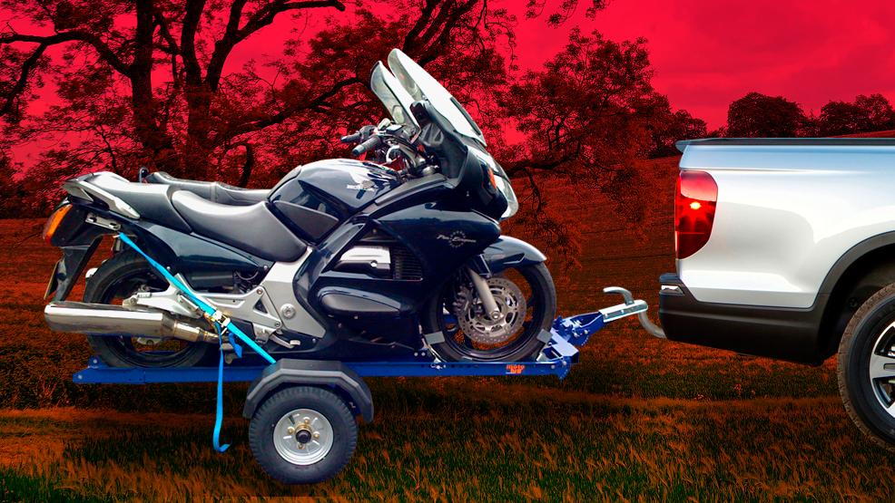 ¿Cómo llevar tu moto en el remolque? Consejos para hacértelo más sencillo