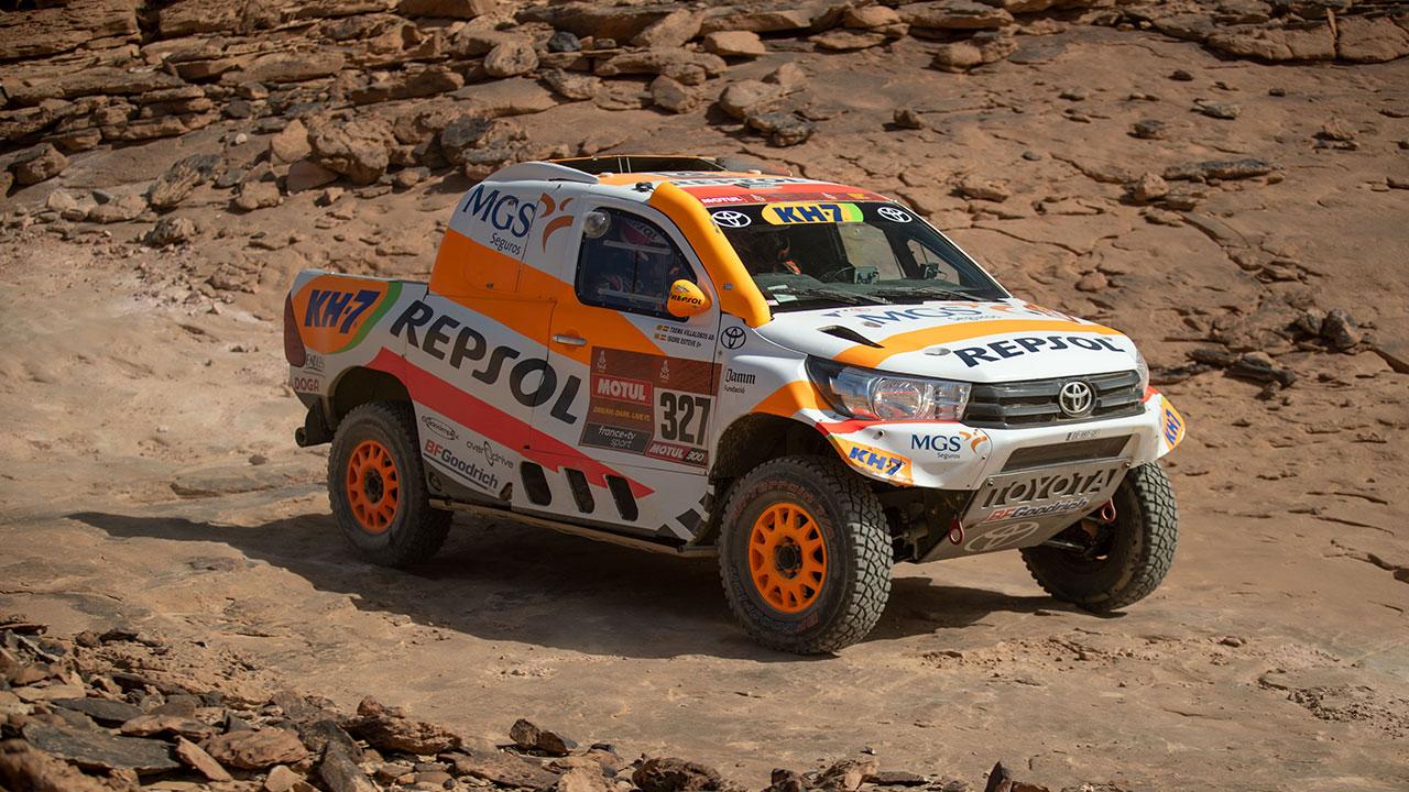 Isidre Esteve pilotando en una zona de rocas en el Dakar 2021 día 4