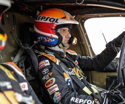 Isidre Esteve en su Toyota Hilux en el Dakar 2021 día 11