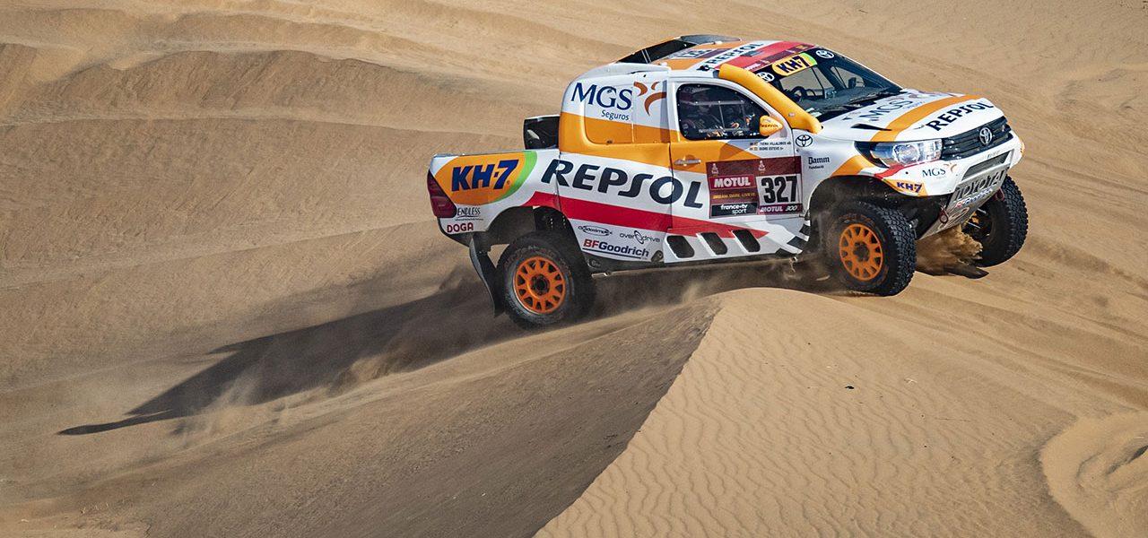 Dakar 2021 día 2: Una caravana de camiones ralentiza a Isidre Esteve en la segunda etapa