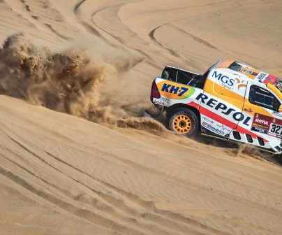 Isidre Esteve sobre arena en el Dakar 2021 día 3