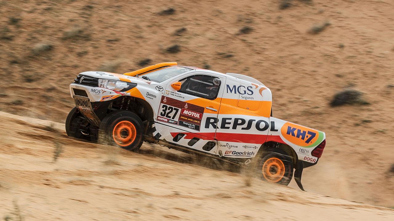 Isidre Esteve sobre arena en el Dakar 2021 día 7