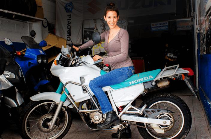 Guadalupe Araoz y su nueva Honda.
