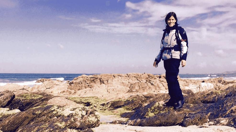 Hablamos con Guadalupe Araoz, la argentina que quiere visitar en moto todos los países del mundo