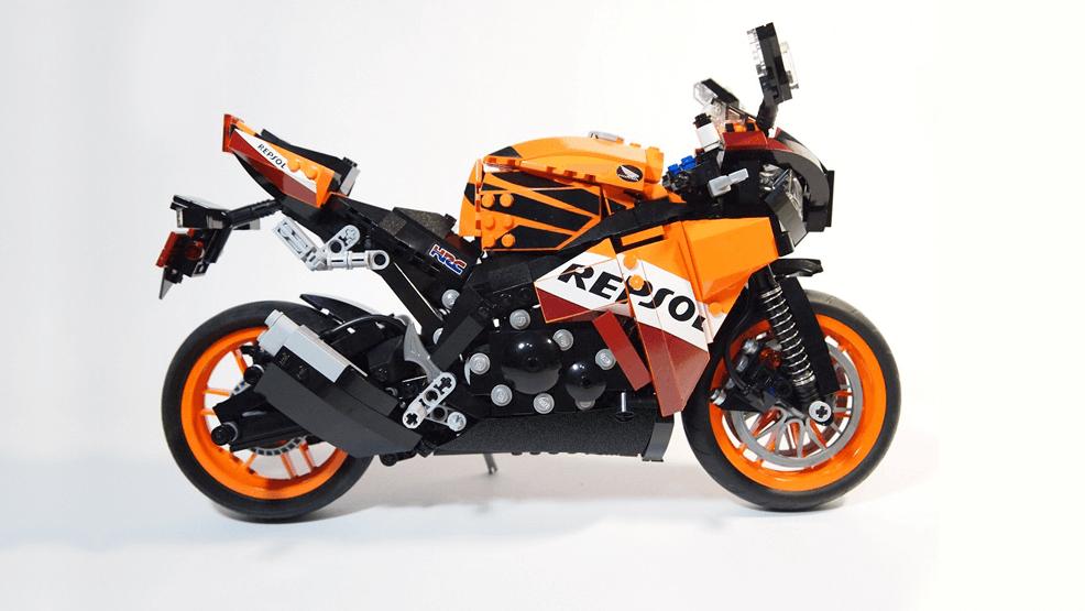 hazte tu propia moto del equipo repsol honda con lego. Black Bedroom Furniture Sets. Home Design Ideas