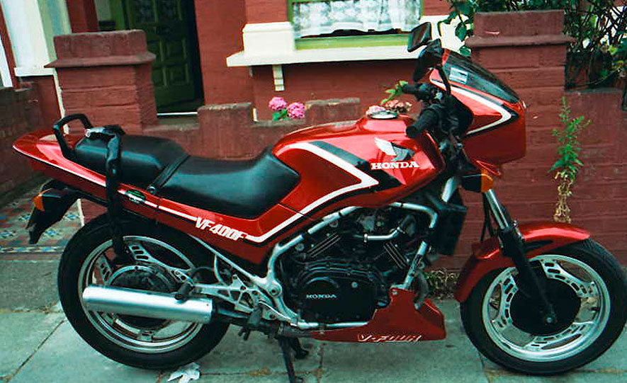 honda_vf_400_granate_con_en_perfecto_estado