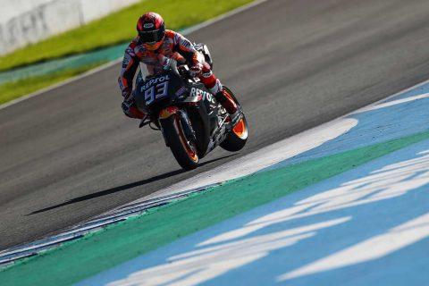 Marc Márquez frenando durante los entrenamientos de pretemporada en Jerez