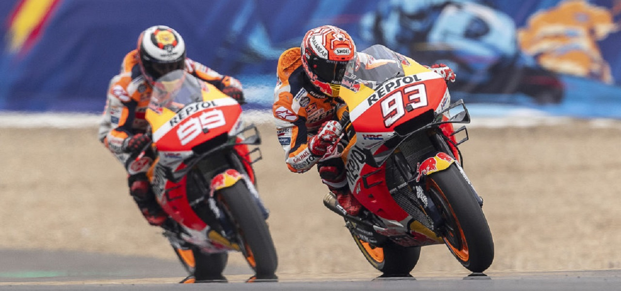 Front row for Marc Márquez and fourth row for Jorge Lorenzo