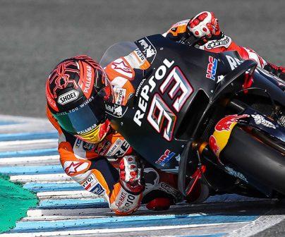 Marc Márquez tumbando la moto durante los entrenamientos en el Circuito de Jerez de la pretemporada 2019