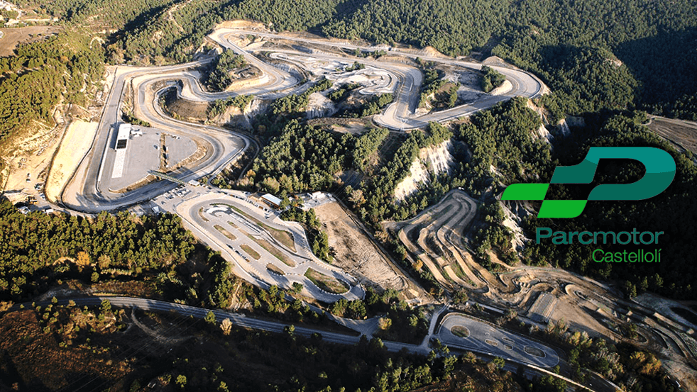 Parcmotor Castellolí un circuito de velocidad con túnel en su trazado