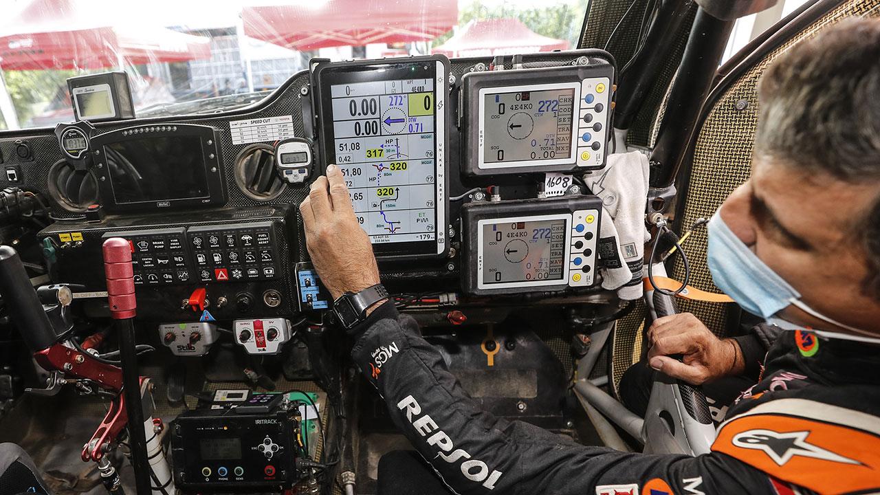 Txema Villalobos nos muestra el roadbook electrónico para el Dakar 2021