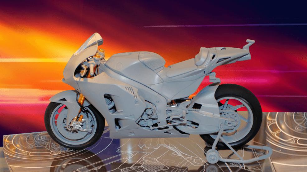 Viktor Mullin, Gravity Colors y Flaymanhm, maquetas Honda en Youtube