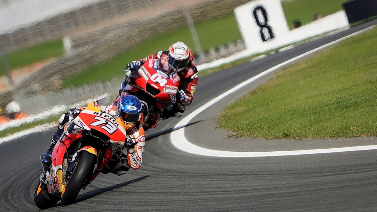 Crash takes Álex Márquez out of contention for points in Valencia