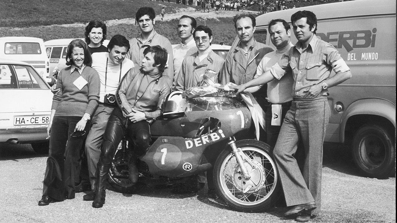 Ángel Nieto con su Derbi twin 125