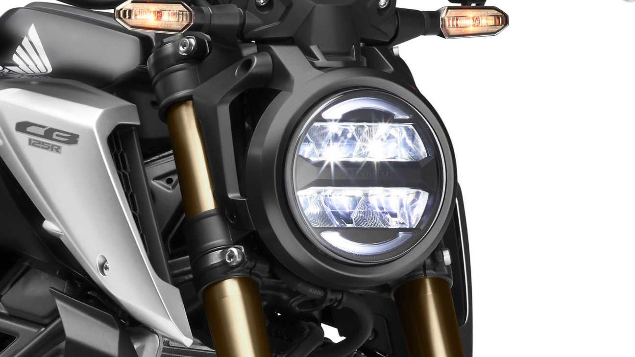 Faro LED de la Honda CB125R 2021