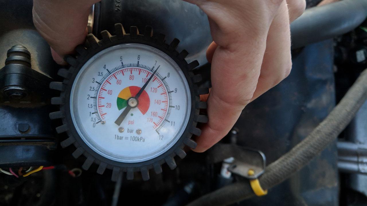 Midiendo la compresión en un motor