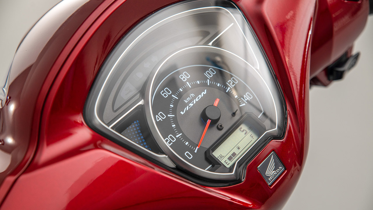Indicadores de una Honda Vision 110