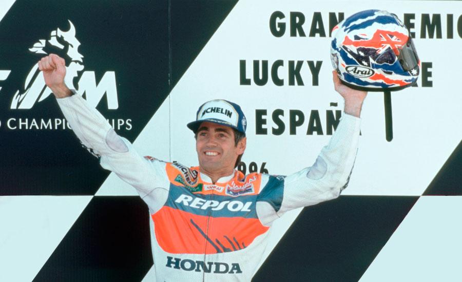 doohan-en-el-podio-del-podio-del-gran-premio-de-espanya-1996