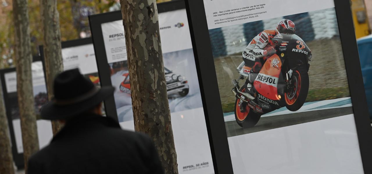 Madrid acoge una exposición fotográfica de los 50 años de Repsol en los deportes del motor