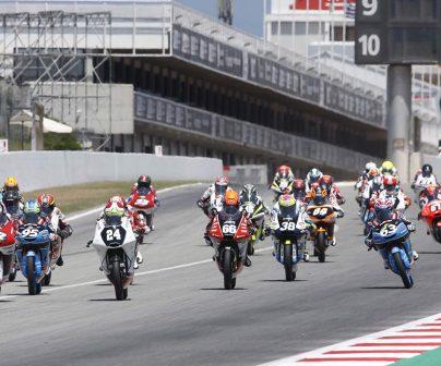 Final de recta de meta en el FIM CEV Repsol en el circuito de Barcelona