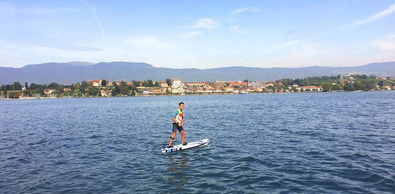 Dani Pedrosa practicando deportes acuáticos