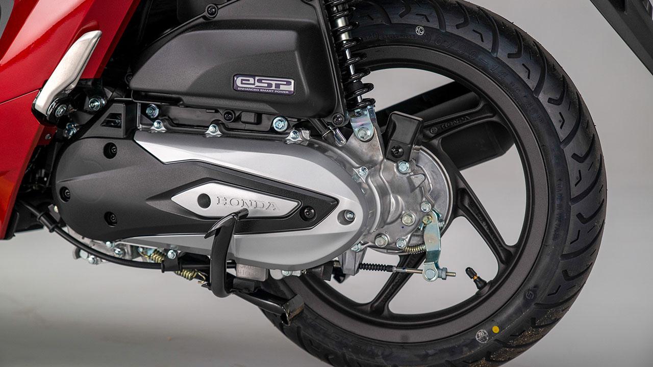 Freno trasero de tambor en una Honda Vision