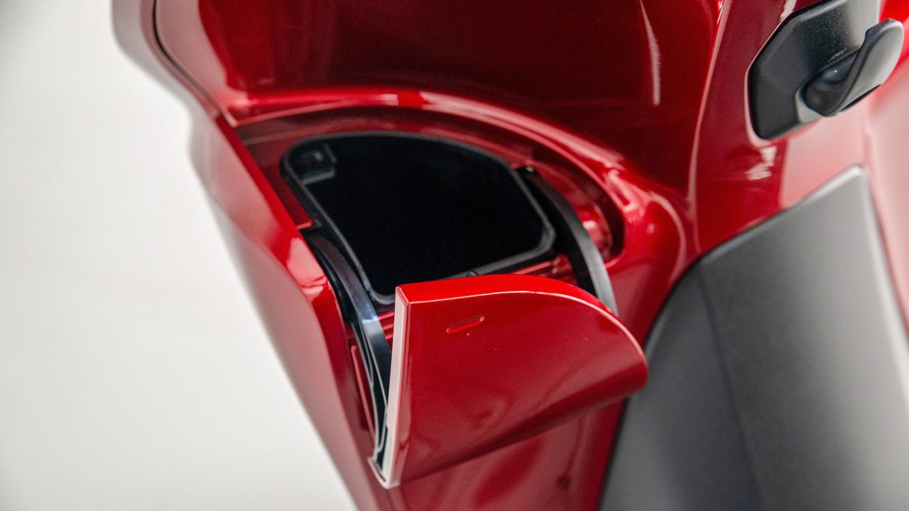 Guantera de una Honda Vision 110