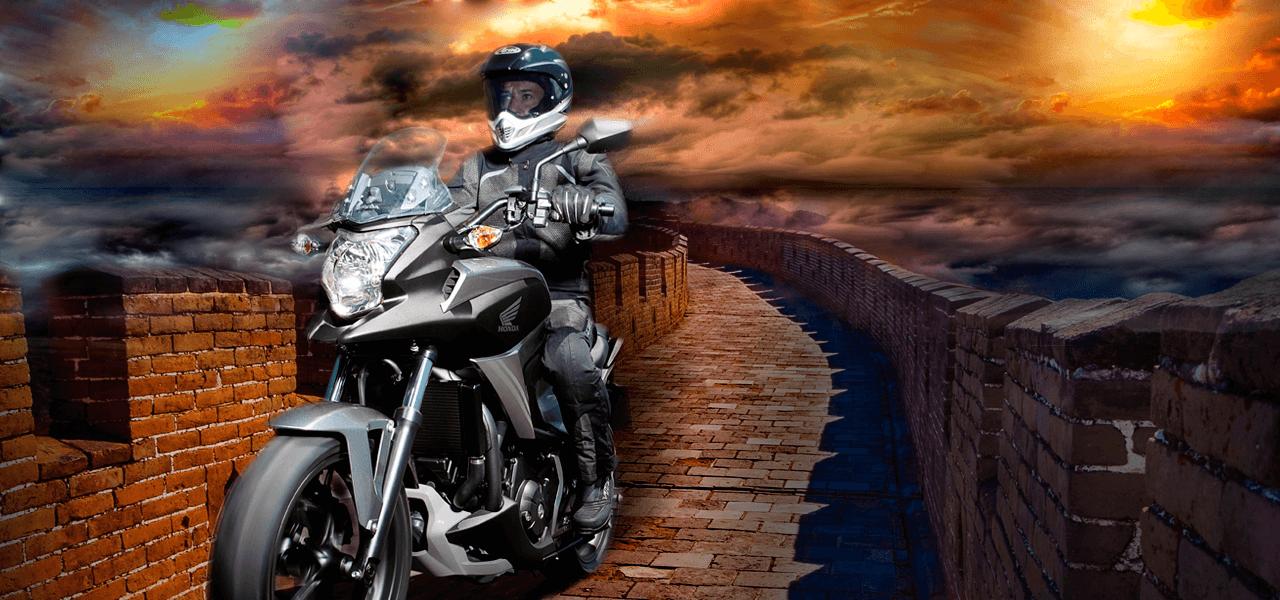 ¿Cuánto tardaríamos en recorrer la Gran Muralla China en moto?