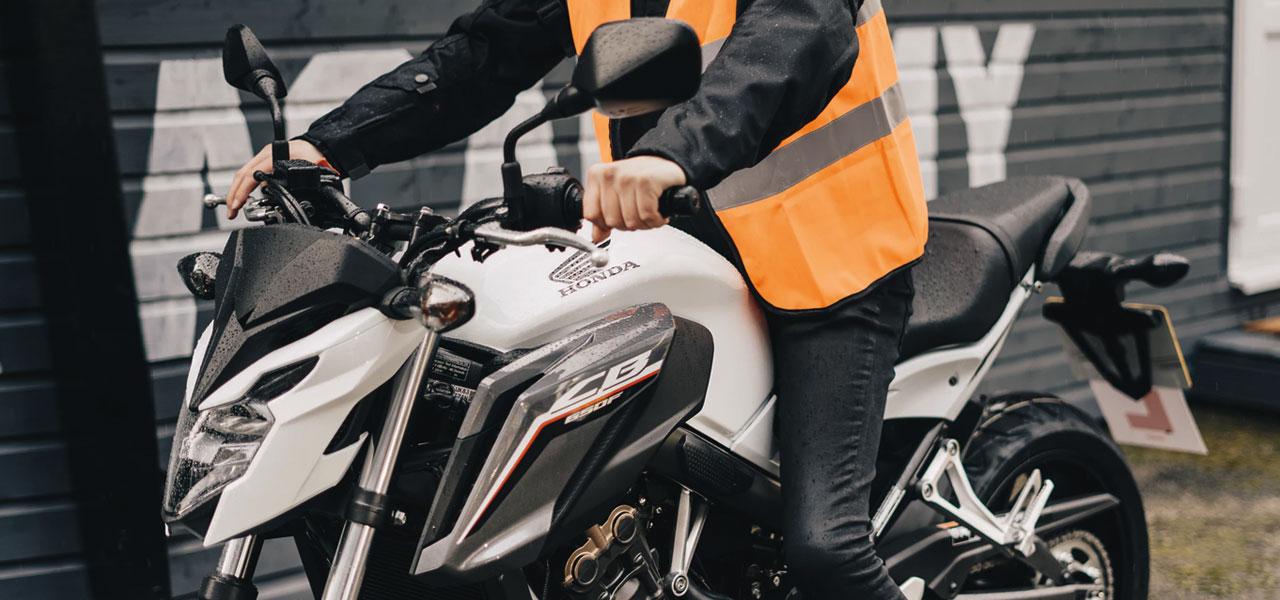 5 pasos para iniciarse en el mundo de las motos con buen pie