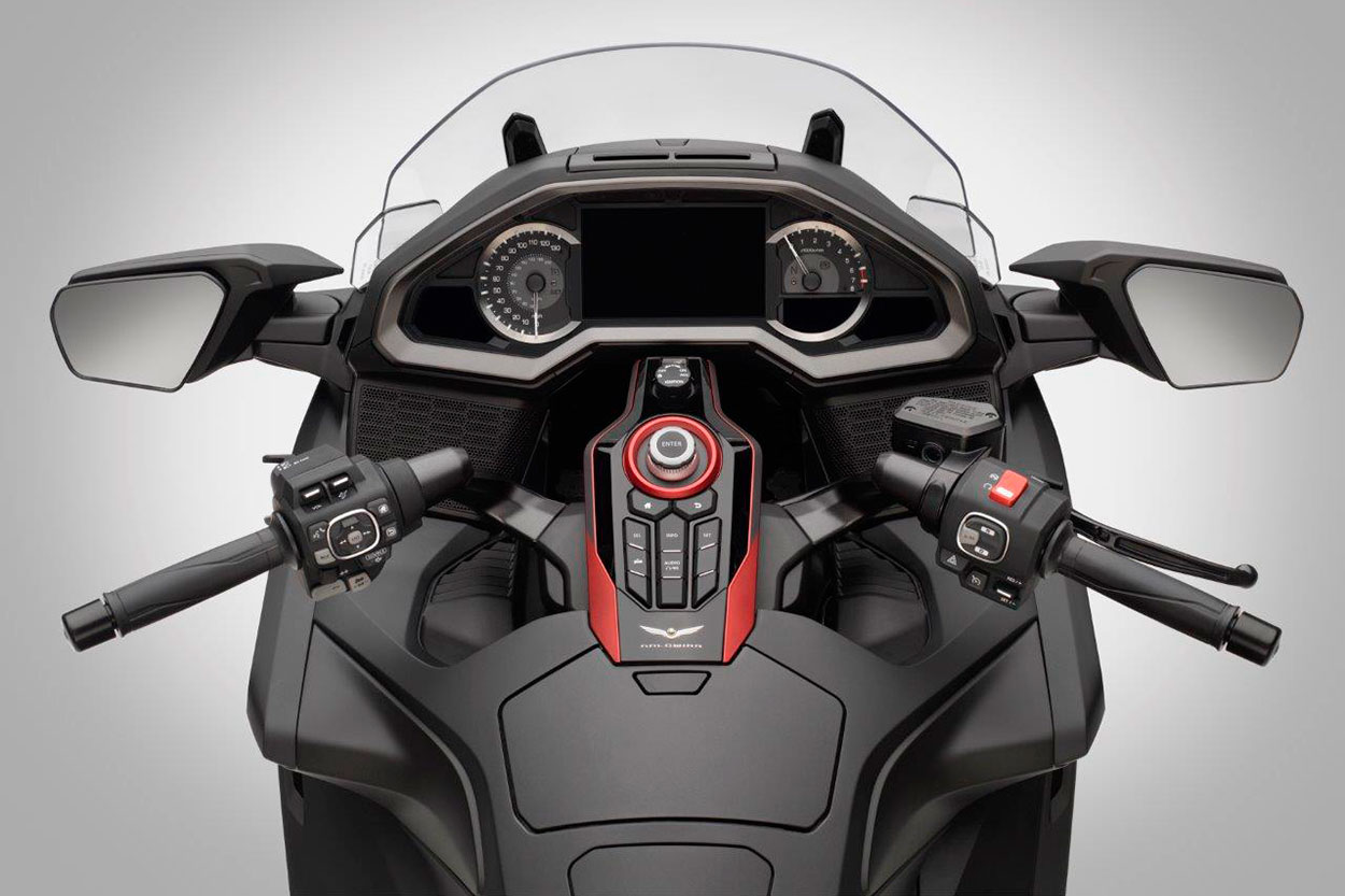 Honda Gold Wing 2020 dashboard