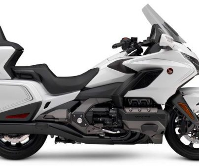 Moto Honda Gold Wing 2020 versión tour en color blanco