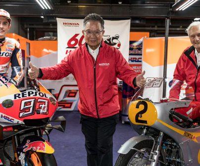 RC213V y una Honda clásica una junto a la otra
