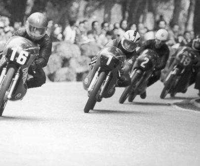 Juan Pares y Angel Nieto en el GP de España de 1972