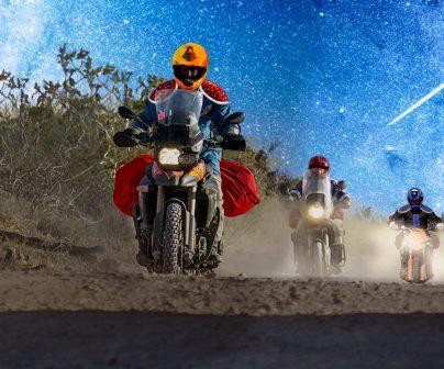 los reyes magos llegan en sus mototos al rally dakar