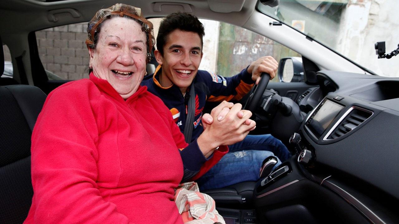 Marc Márquez in a car on Villamartin with Paca