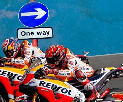 Marc Márquez and Dani Pedrosa racing the MotoGP circuits backwards