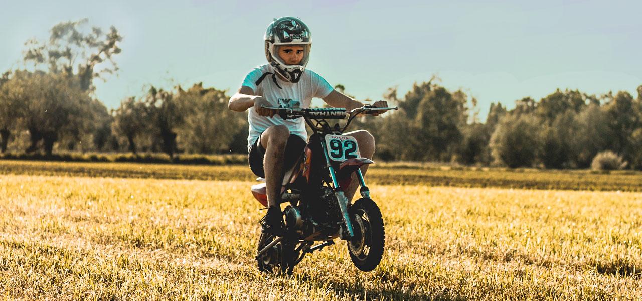 ¿Te subes correctamente a tu moto?