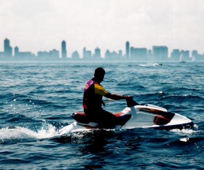¿Cuánto tardarías en dar la vuelta al mundo en moto de agua?>