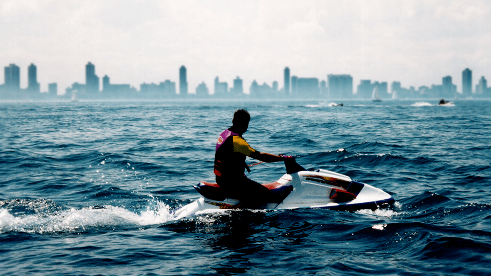 ¿Cuánto tardarías en dar la vuelta al mundo en moto de agua?