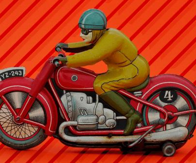 La historia del motociclismo a través de las motos de juguete
