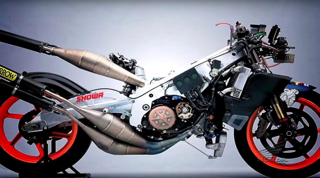 Moto NSR500 sin carenado