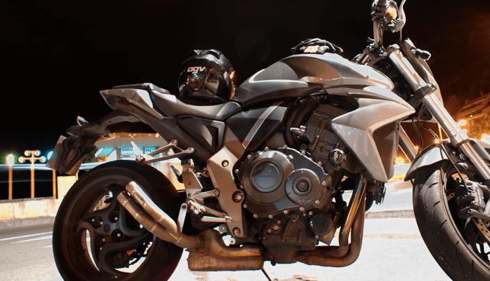 Desnudas en moto images 38