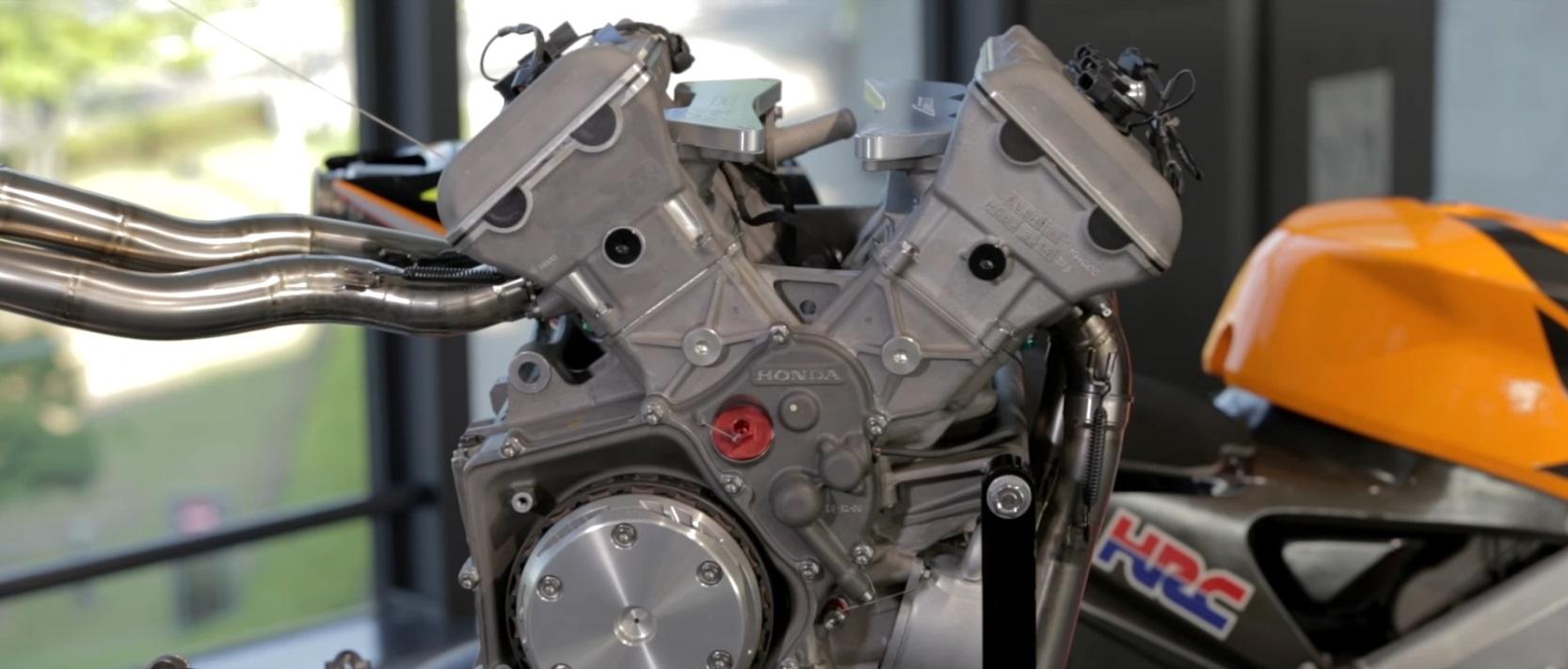 Motor en V de una Honda RC211V
