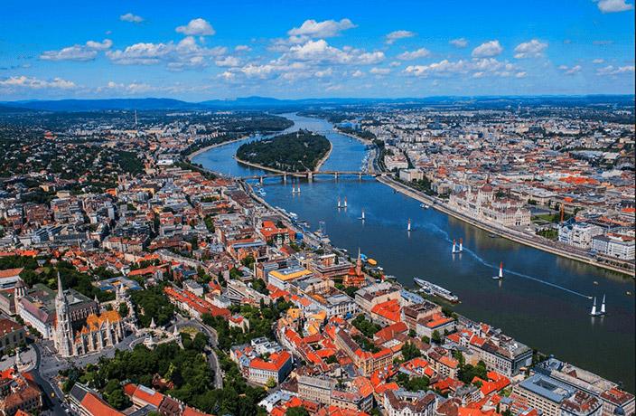 Río Danubio a su paso por Bucarest