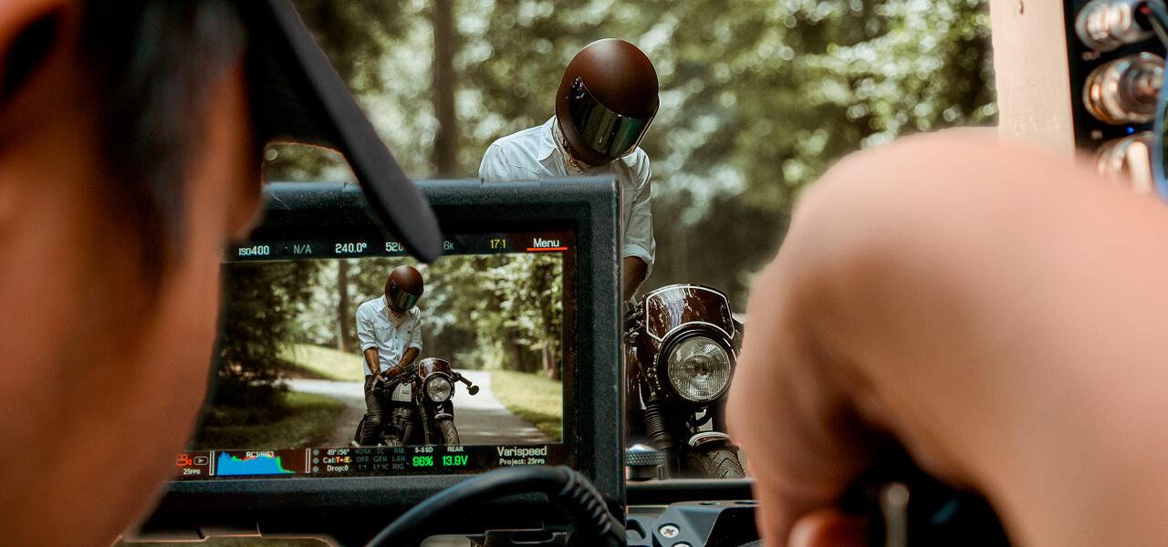 10 motos de cine legendarias: de Al Pacino a 'Mad Max'