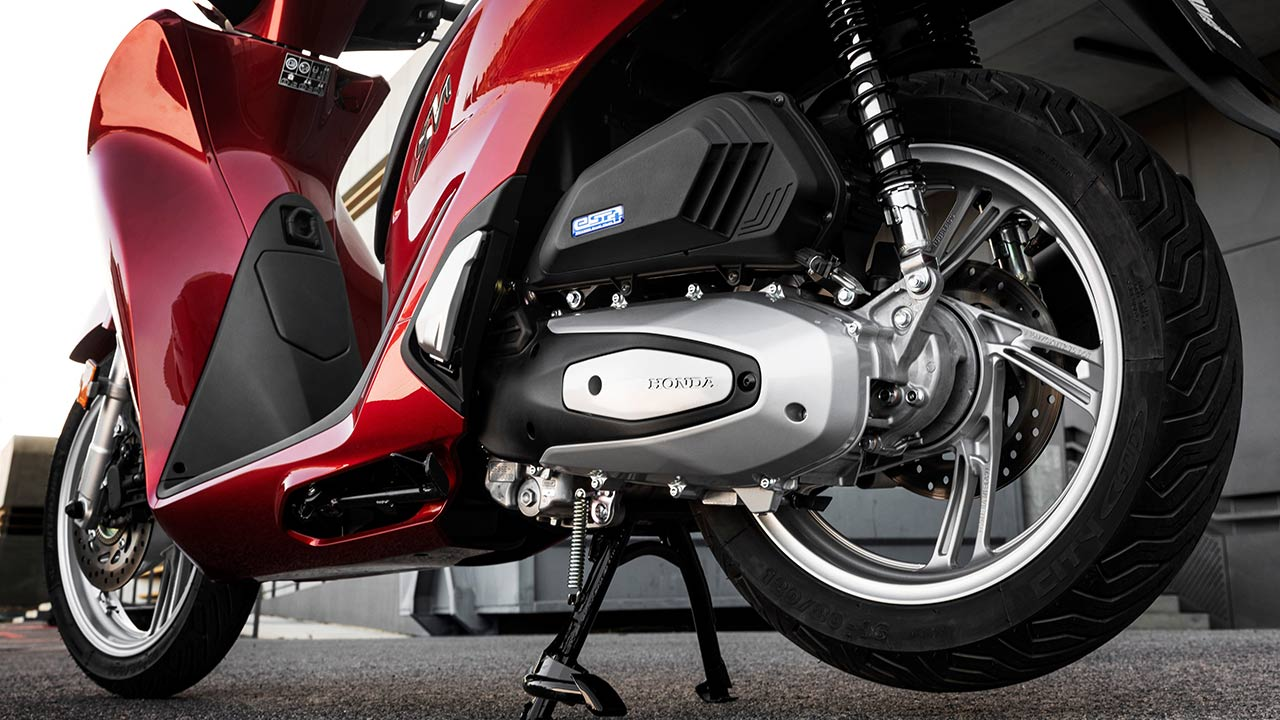 Transmisión y freno trasero de la Honda SH 125i 2021