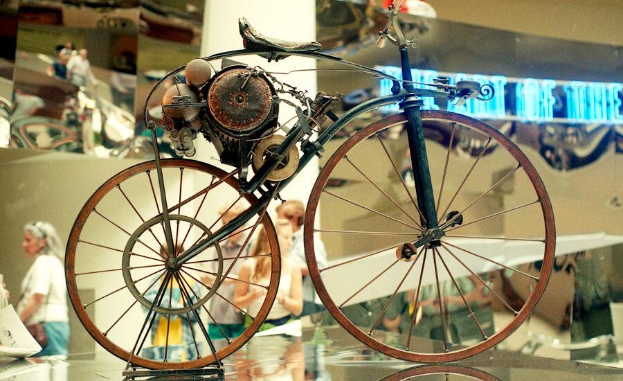 velocipedo-con-motor-de-michaux-perreaux
